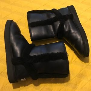 UGG Australia Cater Black Leather Boots sz10 GUC